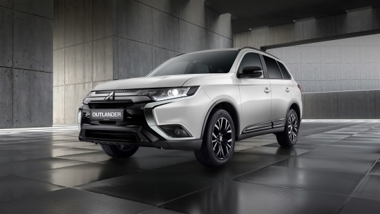 Превью Mitsubishi Outlander Black Edition поражает декором